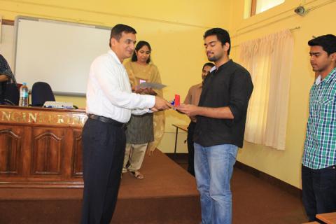 Mr. Karun Thankachan receiving the Best Project Award from Mr. Suresh Venkataram